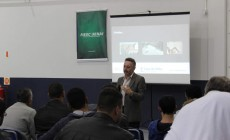 Workshop sobre o sistema de cobertura shingle é apresentado no SENAI SC – Palhoça
